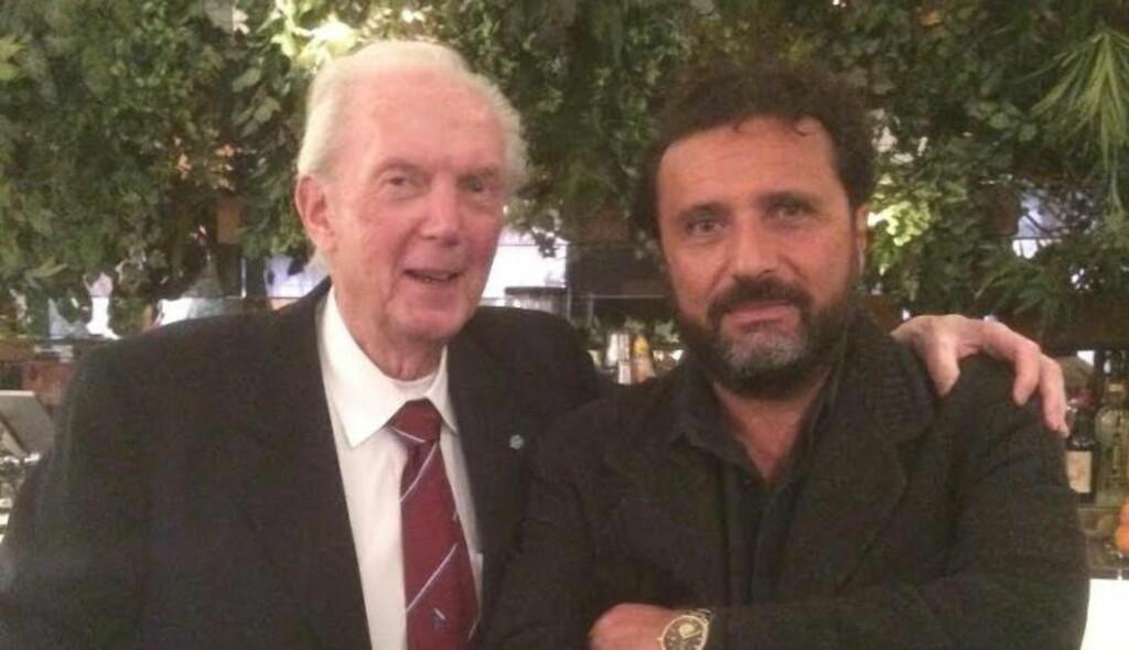 SAMMEN I ROMA: På fredag var Arne Sagen (83) til stede da kapteinen på ulykkesskipet Costa Concordia, Francesco Schettino (55) lanserte sin nye bok.  - Arne har bidratt til å gi saken verdighet, sier Schettino til Dagbladet. Foto: Privat