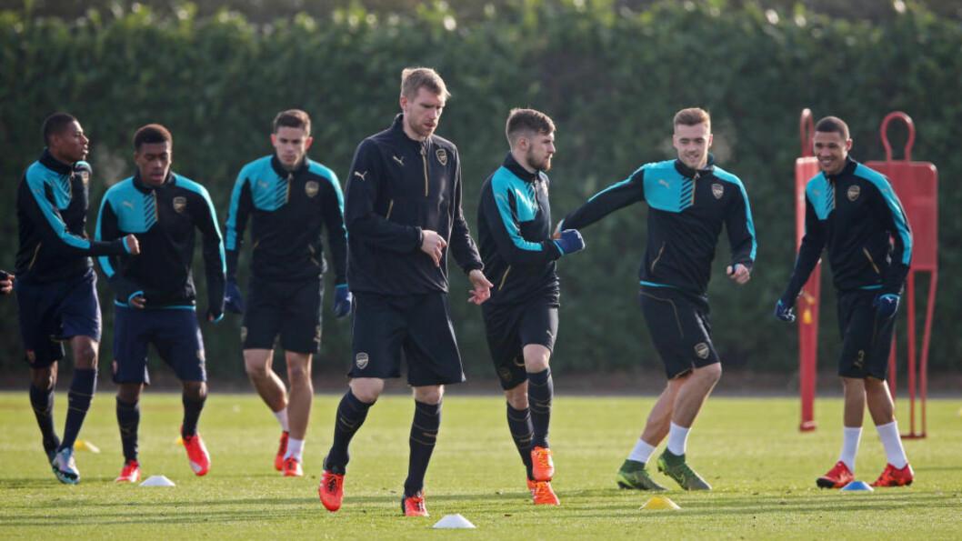 <strong>  KORT REISE:</strong>  For Arsenal-spillerne før kampen mot Norwich på søndag.  Foto: NTB Scanpix