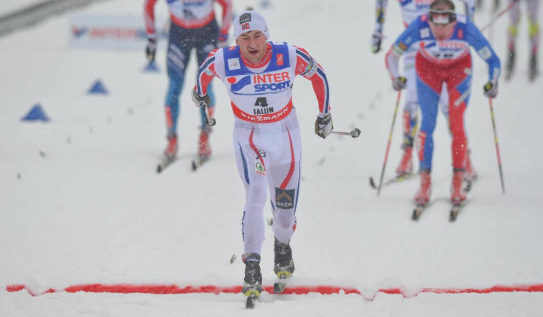 <strong>EN AV DE ALLER, ALLER STØRSTE:</strong> Akkurat her vinner Petter Northug sitt fjerde VM-gull i Falun, og sin fjerde femmilstittel i langrenn. Det siste er det bare Sixten Jernberg som har gjort før ham, mens ingen andre har tatt fire gull i samme VM før. Petter Northug er nominert til Folkets Idrettspris for prestasjonene i Falun. Foto: Art Widak/Demotix/Corbis/NTB Scanpix