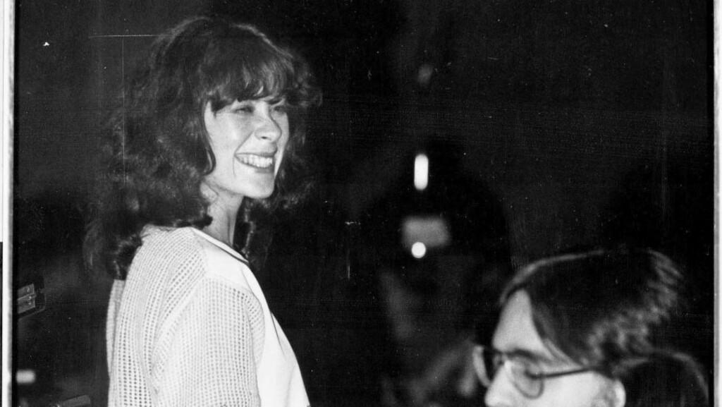 LEGENDARISK DUO: Radka Toneff og Steve Dobrogosz under en konsert på Club 7 17. mars 1982, to uker etter at «Fairytales» ble spilt inn. Arild Andersen og Michael DePasqua deltok også på konserten. Foto: Terje Mosnes