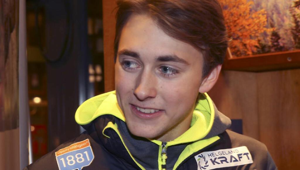 KOMBINERTLØPER:  Jarl Magnus Riiber var uheldig fredag kveld og falt på Lillehammer. Foto: Terje Pedersen / NTB scanpix
