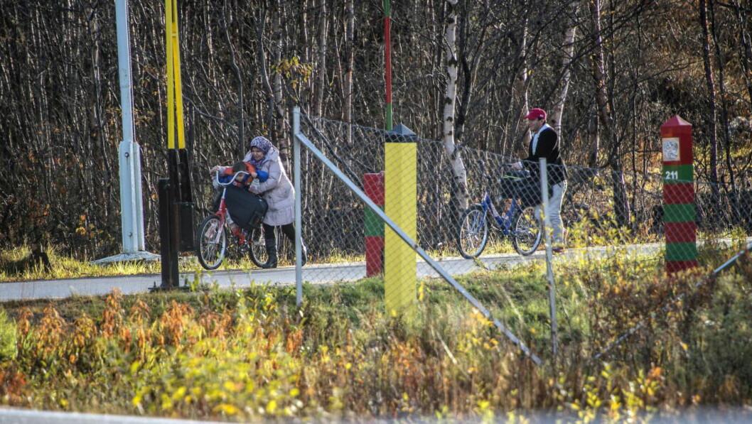 FULL STOPP: I oktober og november kom det opp mot 1.000 asylsøkere ukentlig over grensen fra Russland, den siste uka har det ikke kommet en eneste asylsøker. Foto: Øistein Norum Monsen / Dagbladet