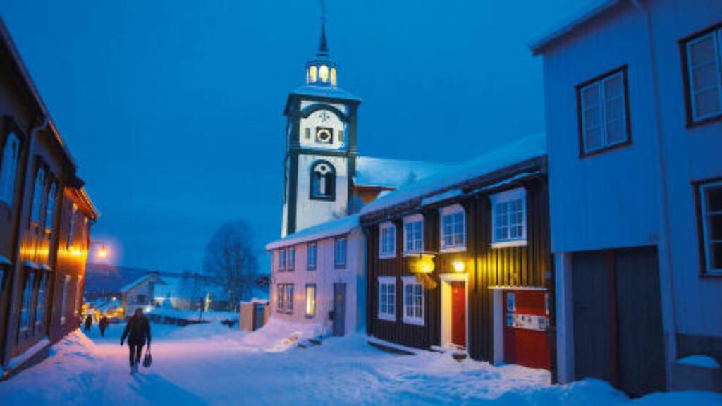 KJERKGATA: Siden 1784 har Røros kirke, også kalt Bergstadens Ziir, vært en av verdensarvbyens store stoltheter. Her sett fra Kjerkgata. Foto: Foto: GJERMUND GLESNES