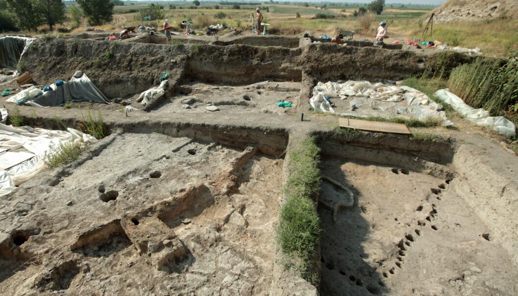 OLDTIDSBY: Arkeologer av avdekket en oldtidsby nær byen Yunatsite, sør i Bulgaria. Her fra utgravingen tidligere denne uka. Foto: Reuters / NTB Scanpix