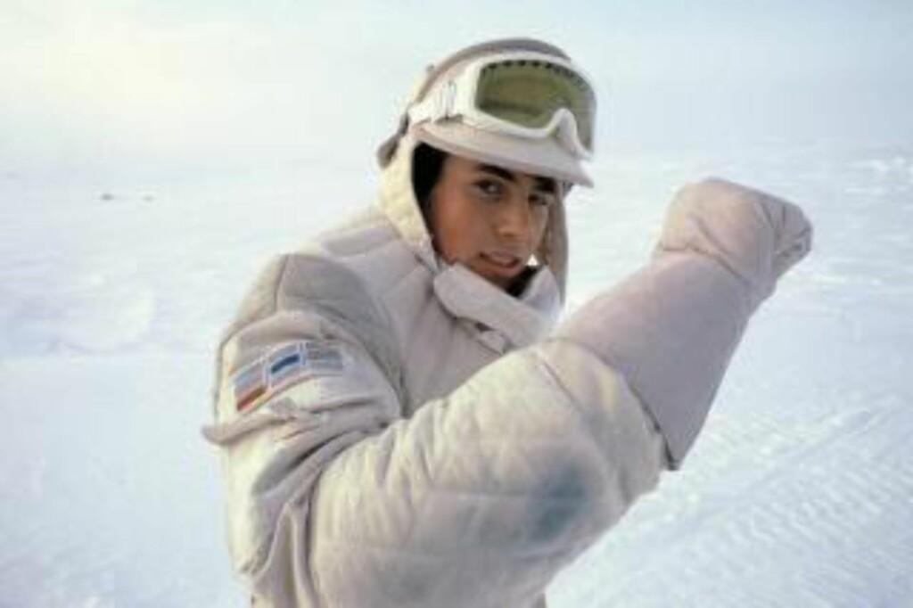 GIKK IKKE SULTNE: Her er Arve Juritzen fotografert i kostymet han brukte som statist i «Star Wars»-innspillingen på Finse i 1979. Han forteller at ett av dagens høydepunkt på filmsettet var da helikopteret kom flyvende opp på fjellet med hamburgere hver dag. Foto: Privat