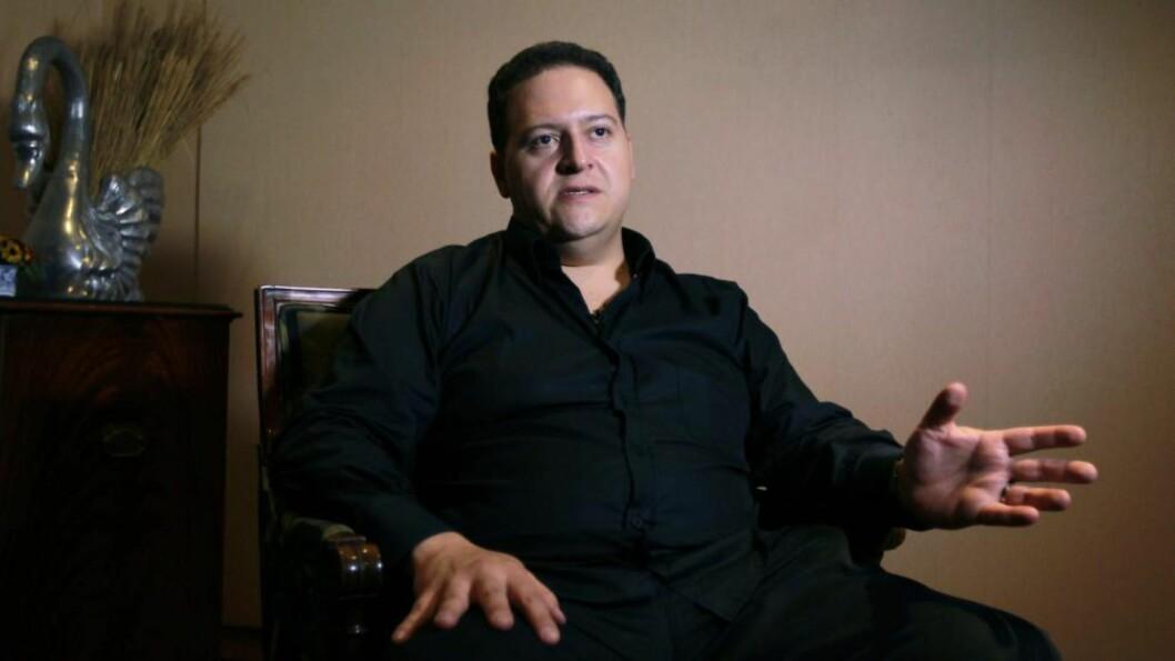 <strong>VONDE MINNER:</strong> Sebastian Marroquin er sønnen til den kaldblodige narkotikakongen Pablo Escobar, som drev tidenes største kokainimperium på 80-tallet. Gjennom Netflix nye storsatsning, «Narcos», blåses det nytt liv i oppveksten hans. Foto: Epa / NTB Scanpix