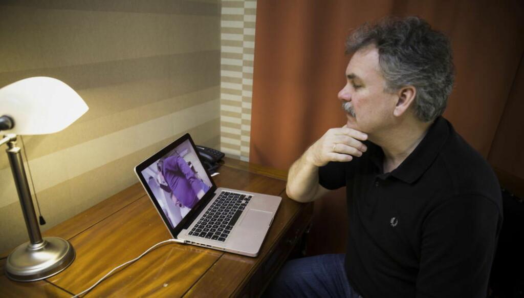 KRITISK: TV 2-kommentator Harald Bredeli er ikke imponert over nettsidene til Norges Håndballforbund. Foto: Bjørn Langsem / DAGBLADET