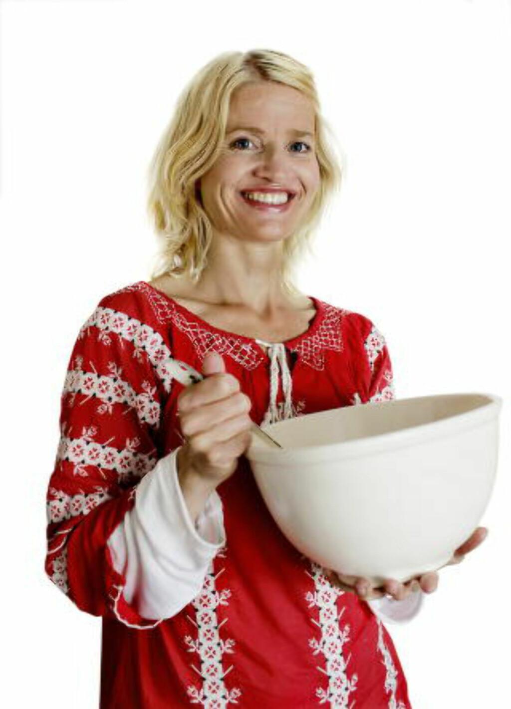 BLIR VEKKET:  Marit Røttingsnes Westlie, Fru Timian, er ofte ettertraktet når folk vil overraske familien med gjærbakst søndag morgen.Foto: METTE MØLLER
