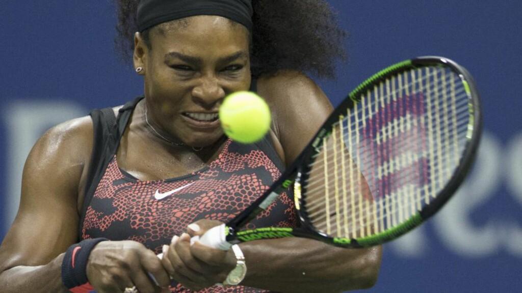 TIDENES BESTE:  Jon McEnroe mener Serena Williams er tidenes beste, selv om hun ikke vinner US Open. Foto: REUTERS/Carlo Allegri/NTB Scanpix.