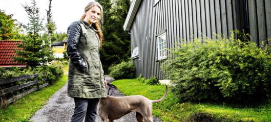 Merethe Lindstrøm har bedt barna vente med å lese sin nye, selvbiografiske roman