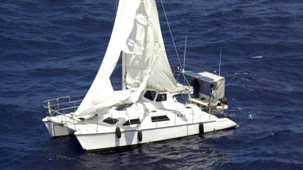 MYSTERIET: I 2007 ble ble katamaranen «Kaz 11» funnet drivende utenfor kysten av Australia. Bordet var dekket, men mannskapet på tre var sporløst forsvunnet. Foto: NTB Scanpix