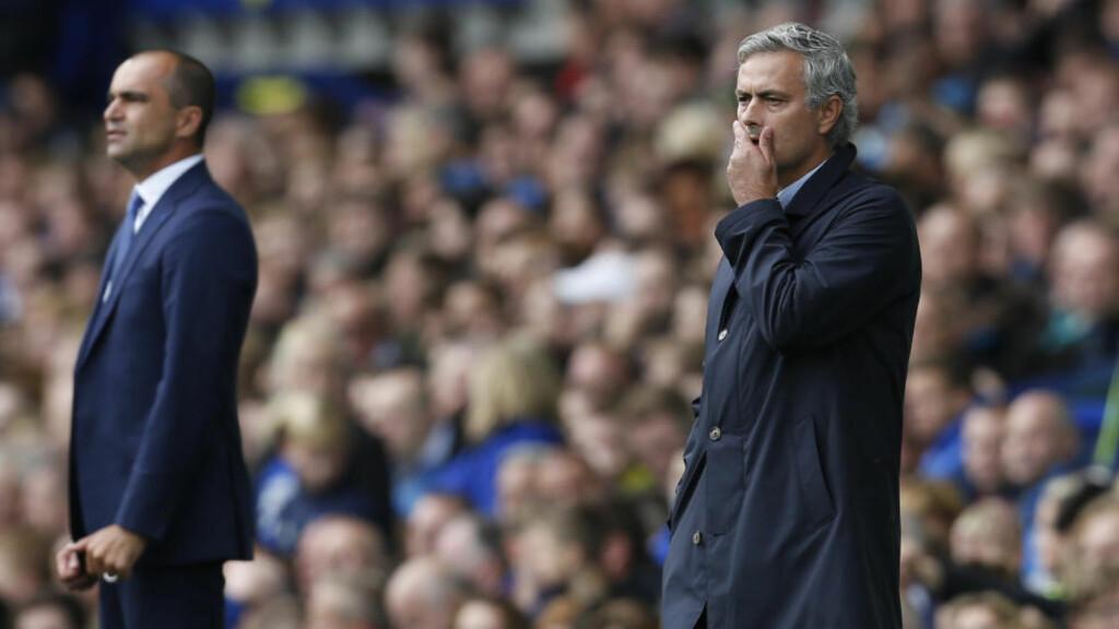 KONFLIKT: Stemningen mellom Everton-manager Roberto Martínez og Chelsea-manager Jose Mourinho var alt annet enn god etter lørdagens batalje. Foto:  Action Images via Reuters / Ed Sykes