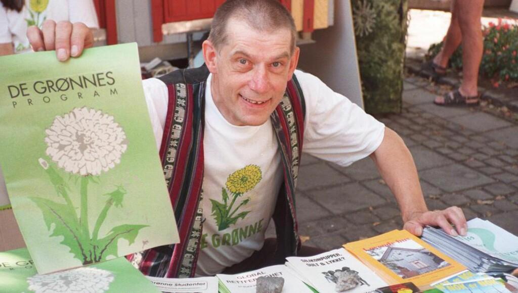 «VERRE UTEN OSS»: Det var mottoet da Jan Bojer Vindheim startet valgkampen i 1997 på Karl Johan i Oslo. Foto: Vidar Knai, NTB /  SCANPIX.