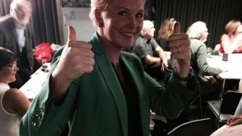TOMMELEN OPP:  Nestleder Anne Beathe Tvinnereim gledet seg over valgresultatet både nasjonalt og i hjemkommunen Enebakk i Akershus. FOTO: ØYSTEIN ANDERSEN/DAGBLADET.