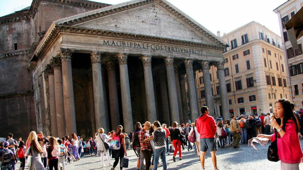STORBYTUR:  De som bestiller flybillett til Roma i høstferien nå, må betale høye priser. Foto: KIRSTEN M. BUZZI