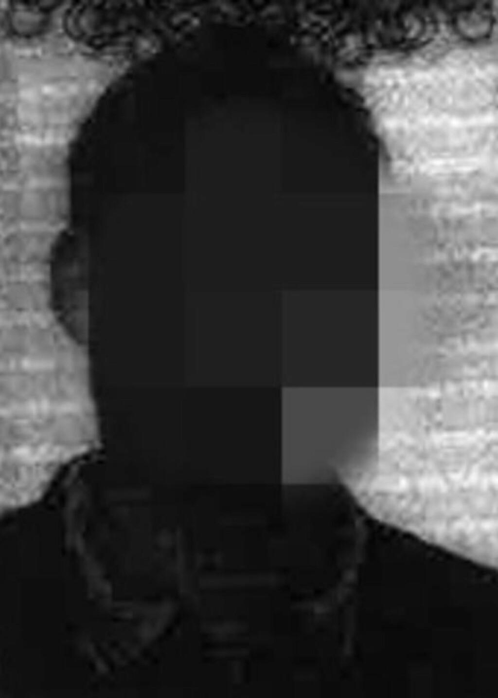 UNDER TILTALE - IGJEN: Den danske legen og psykiateren ble dømt i Norge for gjentatte seksuelle overgrep mot en norsk pasient. Nå er han satt under tiltale igjen for overgrep mot en dansk kvinnelig pasient. Foto: Mannens pass