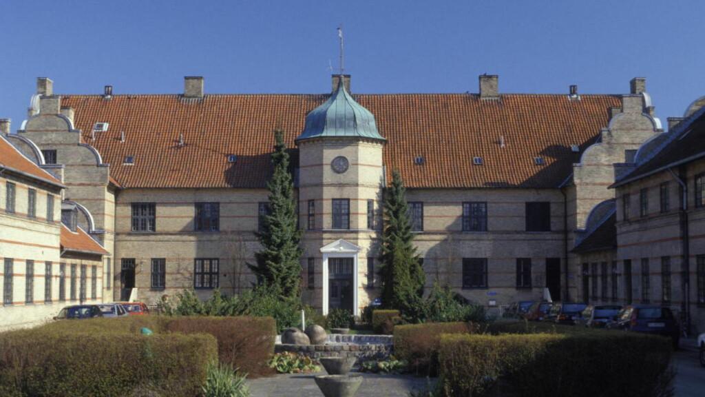 FIKK JOBB: Den danske mannen fikk jobb ved Psykiatrisk hospital på Risskov i Århus i Danmark. Her begikk han ifølge tiltale nye overgrep mot en kvinnelig pasient han behandlet. Foto: Scanpix