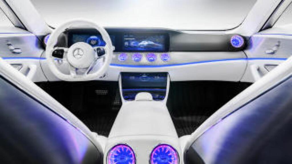BARE RØR: Betjeningen i Mercedes Concept IAA er fullt og helt touch-basert. Foto: DAIMLER