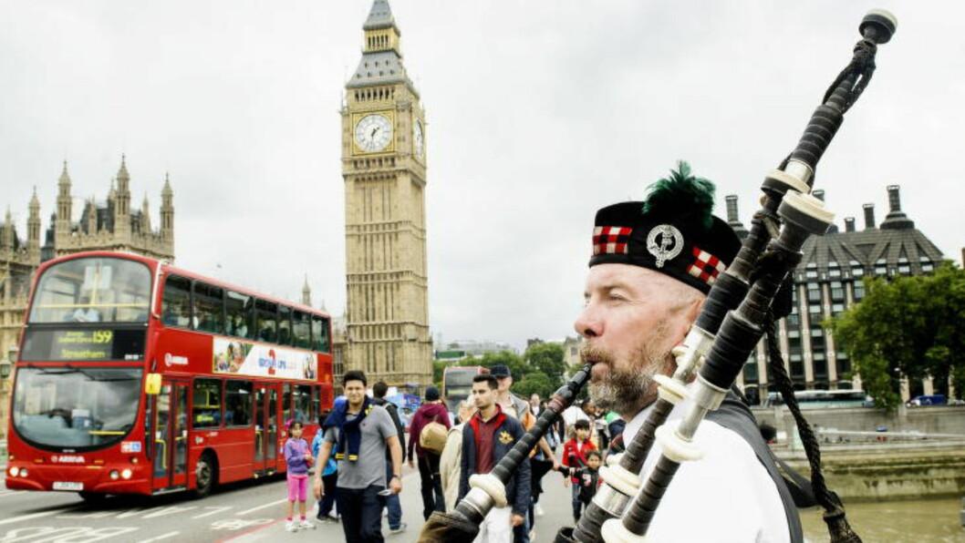 <strong>LONDON:</strong>  Storbyfavoritt for sørlendinger og vestlendinger i 2016.  Antoin Duherty spiller for turistene, han er også med i to rockeband.  Foto: JOHN TERJE PEDERSEN