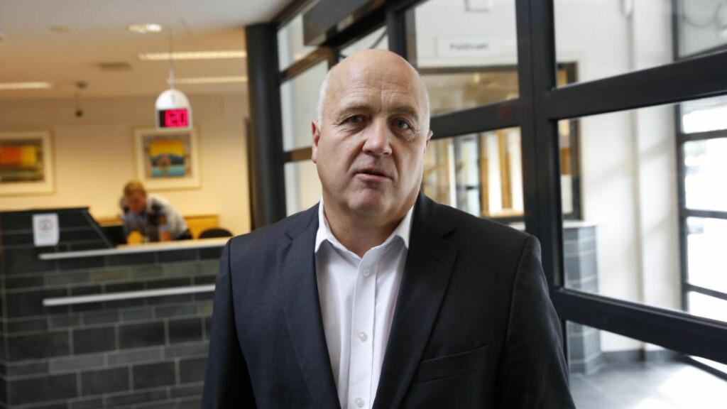 FORSVARER: Advokat Odd Rune Torstrup representerer 36-åringen som er siktet for drap eller medvirkning til drap. Han var i dag på politihuset i Stavanger, der han mottok politiets fengslingsbegjæring. Foto: Jacques Hvistendahl
