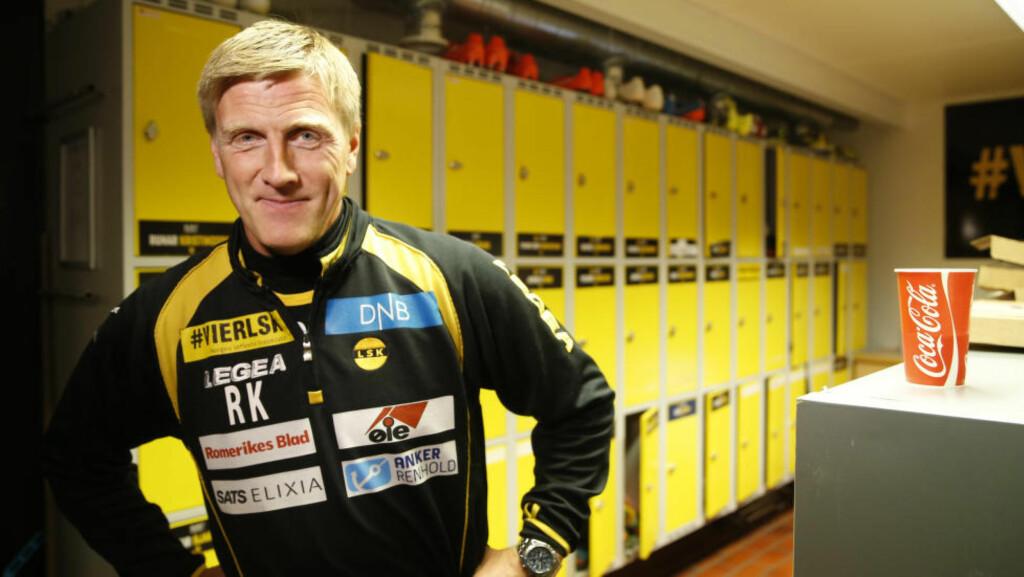 UTFORDRING: Lillestrøms trener Runar Kristinsson mener det er vanskelig å bygge et lag når de beste spillerne blir kjøpt opp. Foto: Terje Pedersen / NTB Scanpix