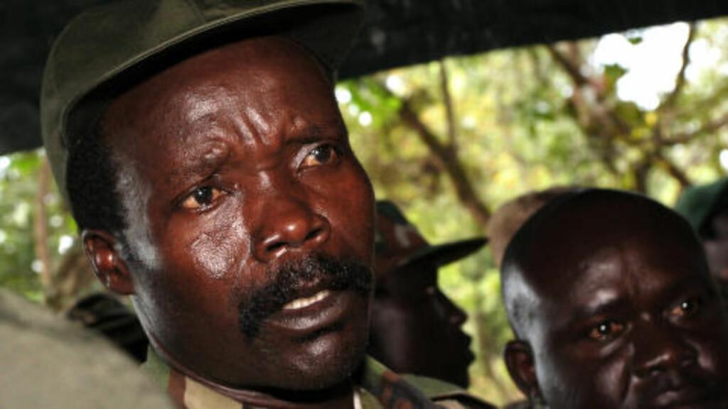KONY: Den falske støttannen blir plantet på et hemmelig sted i Den sentralafrikanske republikk, og via daglig satelittovervåkning ble den fulgt gjennom territoriet til Lord's Resistance Army (LRA). Denne grupperingen ledes av Joseph Kony, den samme mannen som Den internasjonale domstolen i Haag regner som verdens mest ettersøkte mann. Foto: AP Photo/Stuart Price/NTB Scanpix