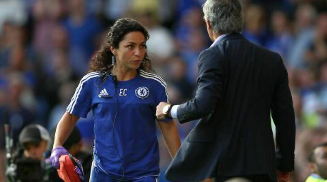 KALDE FØLELSER:  José Mourinho var ikke nådig i sin kritikk mot lege Eva Carneiro da hun løp ut for å behandle Eden Hazard. Foto: NTB Scanpix