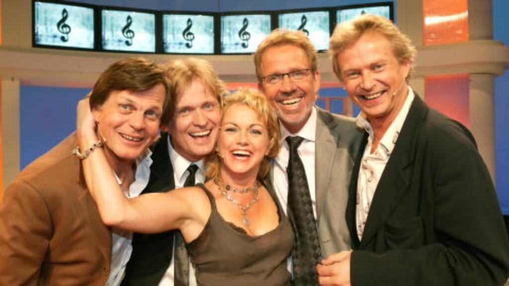 MANGE KJENTE GJESTER:: Her er fra da Ivar Dyrhaug hadde besøk av Anders Hatlo, Hilde Lyrån, Johannes Joner og Dennis Storhøi i 2004. Foto: NRK