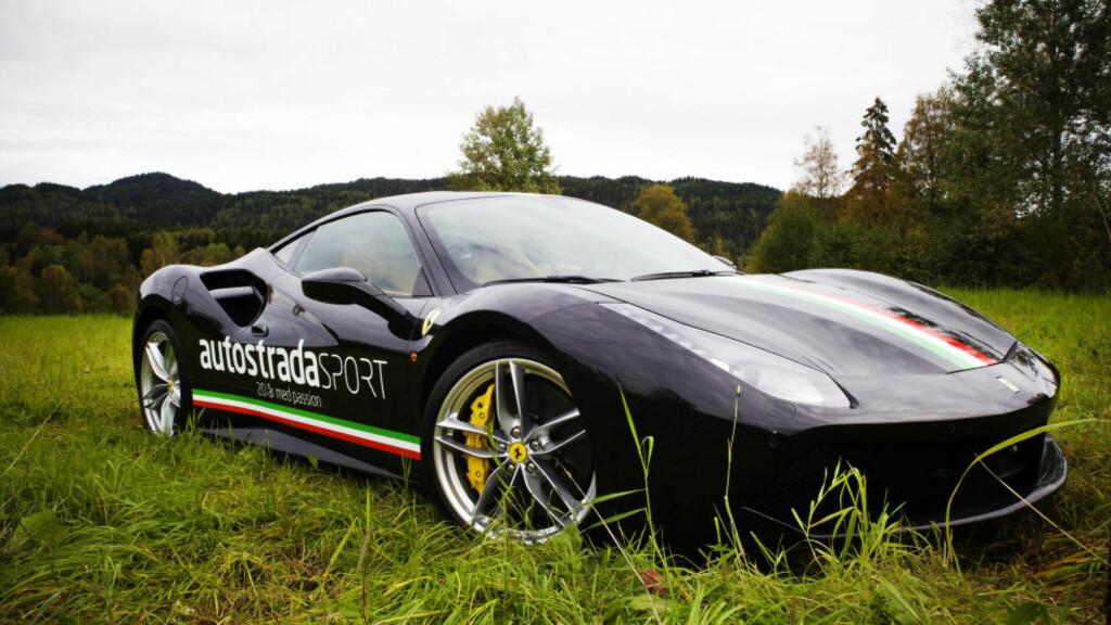 KULTURBÆREREN: De andre får si hva de vil, det er Ferrari som er den fremste bæreren av ultimat  sportsbilkultur. Den nye 488GTB vil ikke forandre på det. Foto: Tormod Brenna