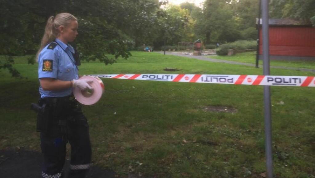 ÅSTED: Politiet på åstedet ved Tøyen i Oslo. Foto: Harald Klungtveit