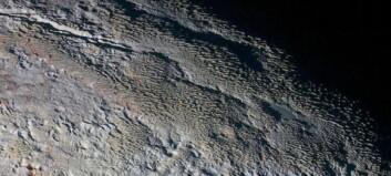 «Slangeskinn» og «drageskjell» oppdaget på Pluto: - Dette kommer det til å ta lang tid å finne ut av