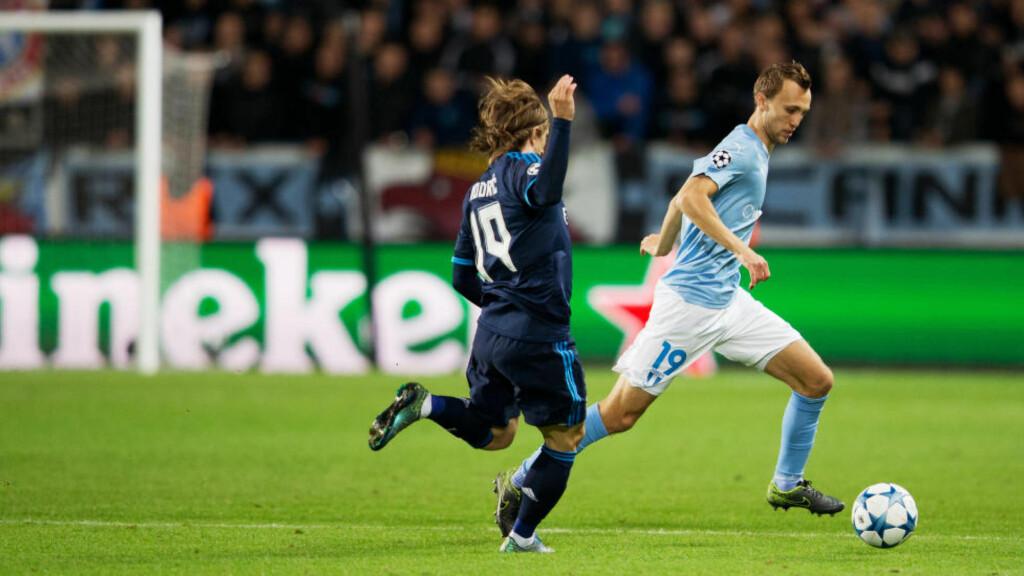 FIKK 25 MINUTTER: Magnus Wolff Eikrem fikk en halv omgang mot Real Madrid og Luka Modric. Han meter 0-2 var et greit resultat. Foto: Andreas Hillergren / TT / NTB Scanpix