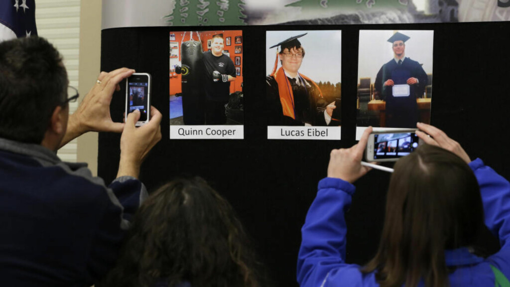 NI DREPT: 26-åringen som drepte ni personer på Umpqua Community College torsdag, skal selv ha vært student på høyskolen. Foto:  AP Photo/Rich Pedroncelli