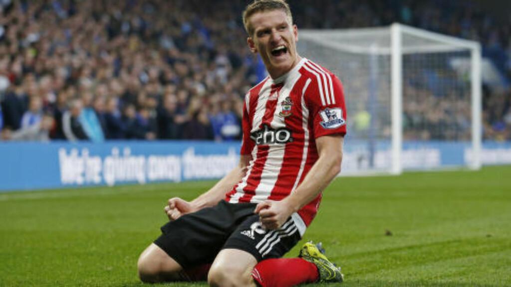 FESTET PÅ BRUA Steven Davis utlignet for Southampton like før pause på Stamford Bridge. Foto: Scanpix