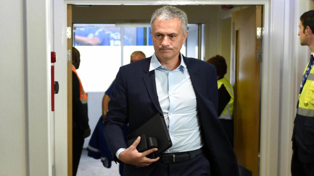 PÅ VEI UT?: José Mourinhos fremtid ligger i Chelsea-eier Roman Abramovitsj sine hender. Foto: Scanpix