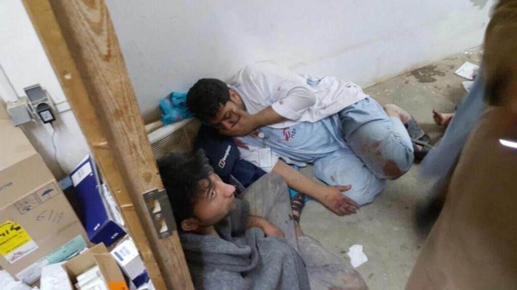 HARDT RAMMET: Bombene traff sykehuset fra klokka 02.08 til 03.15 lokal tid lørdag 3. oktober. 12 ansatte og minst syv pasienter, inkludert tre barn, ble drept . Foto: Médecins Sans Frontières / AP / Scanpix