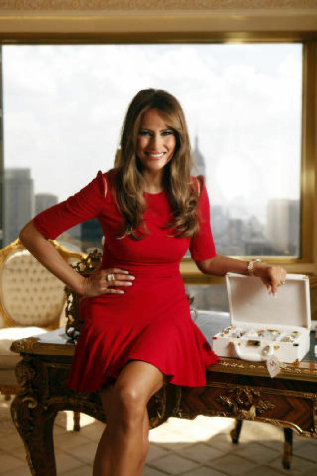 FORRETNINGSKVINNE: Melania Trump er tidligere modell. Her er hun fotografert i forbindelse med at hun lanserte en smykkekolleksjon i 2010. Foto: NTB Scanpix