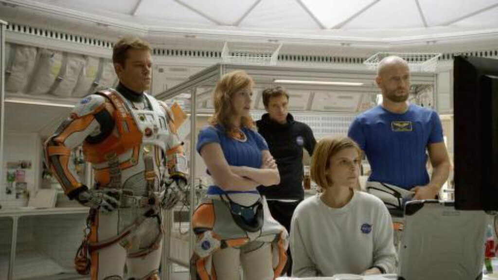 PÅ KINOTOPPEN: Aksel Hennie spiller rollen som tysk astronaut i filmen «The Martian» som nå topper kinostatestikken. Foto: NTB Scanpix
