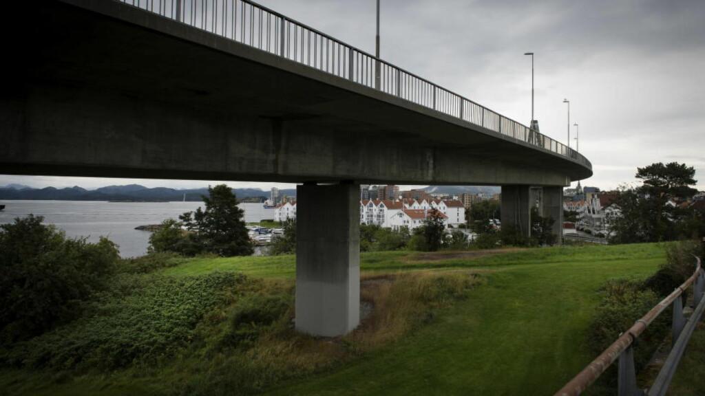 FORTSATT ULØST: Under denne brua skal Tina angivelig ha blitt drept. Men hvordan eller av hvem, er ukjent. Foto: John T. Pedersen / Dagbladet