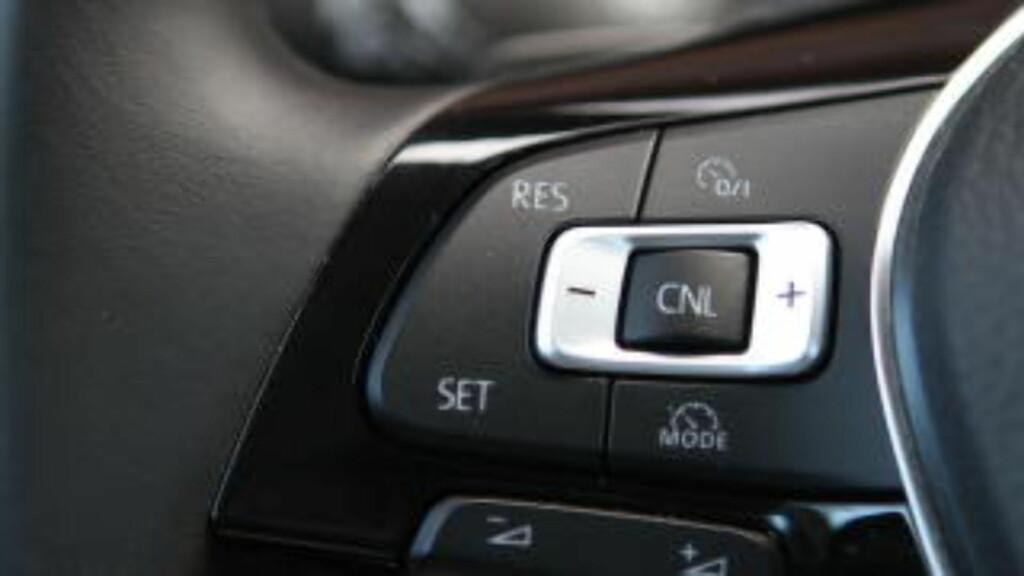 MULTIFINGRING: Det skjer litt for mye på Volkswagenratt for tiden. Det finnes bedre løsninger. Foto: RUNE M. NESHEIM