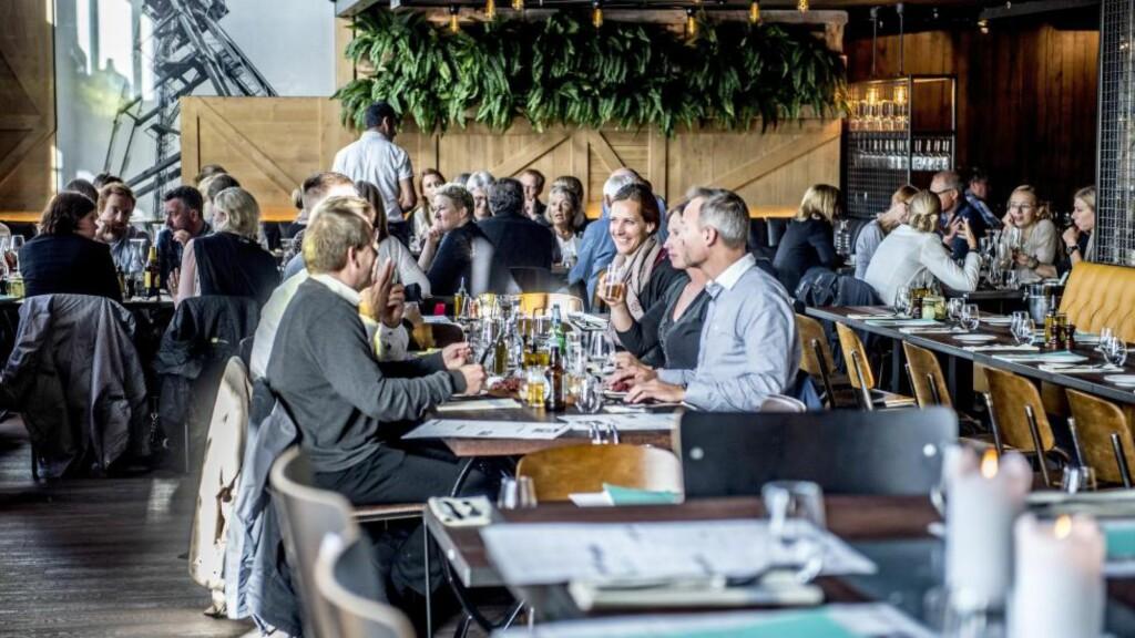 ITALIENSK: Cargo er Sørengas nyeste matsted. Her får du deilig italiensk mat i rustikke omgivelser. Liker du å kommunisere med kelneren på norsk, innta måltidet i rolig tempo og selv bestemme hva du spiser og drikker, er en helaften her en dårlig ide. Foto:THOMAS RASMUS SKAUG