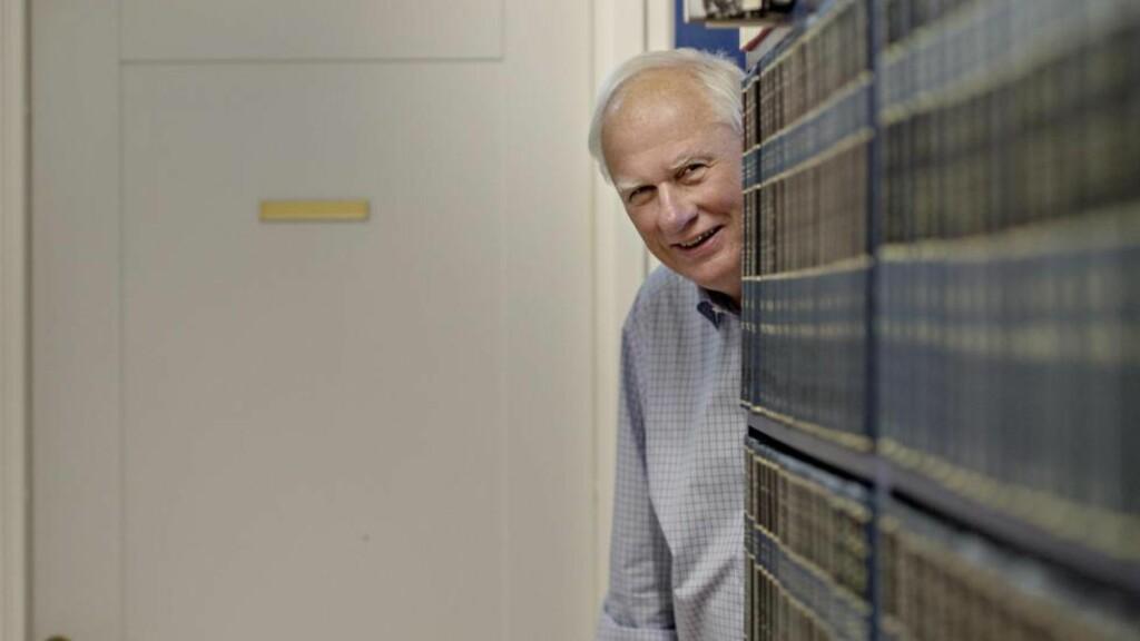 25 ÅR MED PRISER:  Historiker Geir Lundestad var direktør for Nobelinstituttet fra 1990 til desember i fjor. Her forteller han om fredsprisene det ble mest rabalder av. Foto: Anita Arntzen / Dagbladet