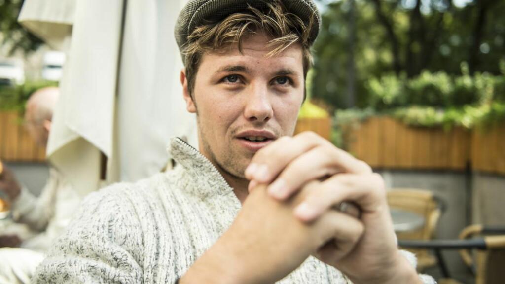 BROKETE BAKGRUNN: Samuel Massie er bare 22 år, men har allerede vært på flere ekspedisjoner til Antarktis sammen med Jarle Andhøy, skrevet bok og holdt over 300 foredrag. For tiden er han aktuell som «Skal vi danse»-deltager, men livet har ikke alltid bydd på glitter og glamour for bergenseren: - Jeg har en bakgrunn som er litt brokete, forteller han. Foto: Lars Eivind Bones / Dagbladet