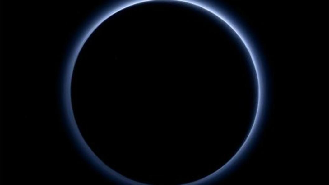 b> BLÅ HORISONT:  Hvem skulle trodd, sier NASAs sjefetterforsker på Pluto. Foto: NAS/JUHAPL/SwRI.