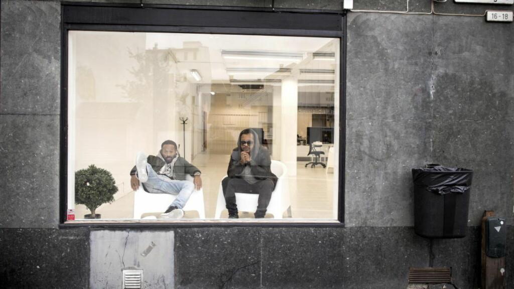 TILBAKE FOR ALVOR: Etter halvannet års stillhet kom Tshawe Baqwa (til venstre) og Yosef Wolde-Mariam i Madcon tilbake med et brak, med hitsingelen «Don't Worry». Nå er duoen klare med oppfølgeren «Keep My Cool», som handler om å ha is i magen. Foto: Tomm W. Christiansen / Dagbladet