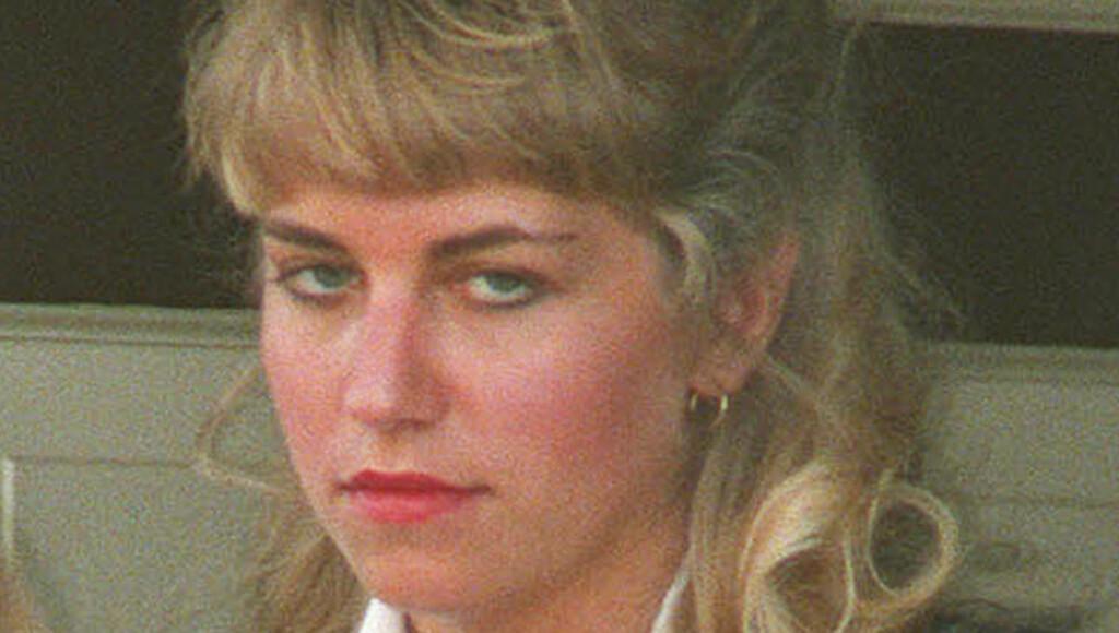 ISKALD: Karla Homolka på vei til en rettshøring. Foto: AP