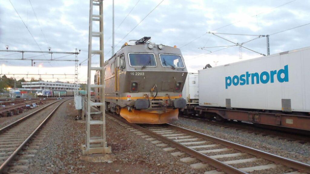 HAVNET UT AV KONTROLL:  Som følge av sviktende sporsperre havnet dette toget ute av kontroll den 5. oktober. Foto: Statens Havarikommisjon