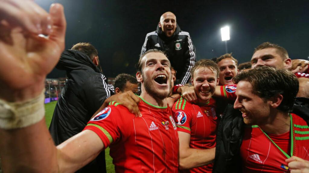 EM-KLARE: Både Belgia og Wales kvalifiserte seg lørdag for neste sommers fotball-EM i Frankrike. Waliserne har aldri tidligere deltatt i et europamesterskap. Foto: Reuters / Matthew Childs