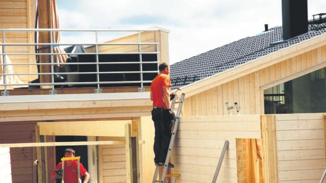 Roald Holding:  Tjener gode penger på salg av takrenner, isolasjon, pipehatter, ventilasjon og arbeidstøy. Illustrasjonsfoto: Gard Setsaas, Finansavisen.