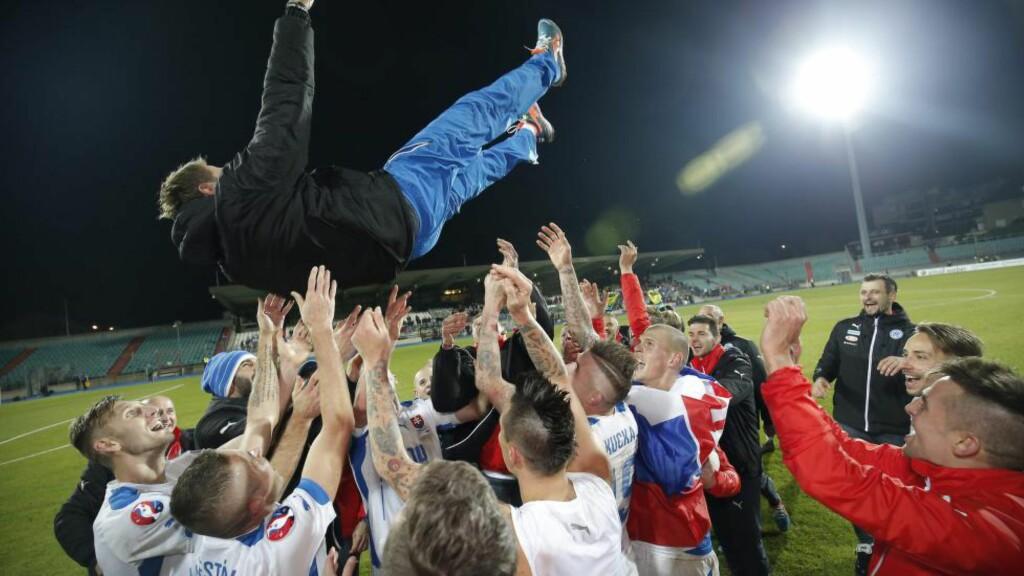 JUBLER:  Slovakia-spillerne. Foto: NTB Scanpix